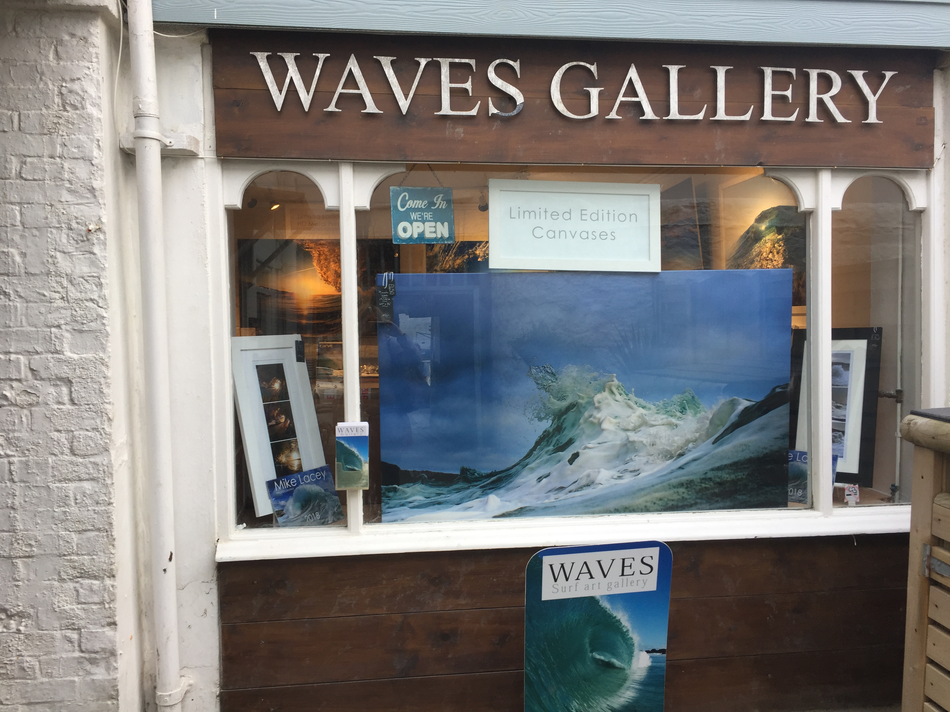 Waves Gallery